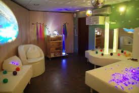 Stimulation et relaxation au sein de l 39 espace snoezelen for Espace de relaxation